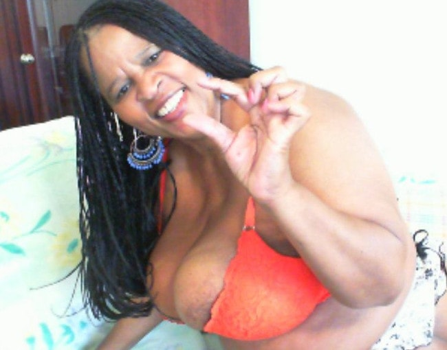 busty fat ebony domme shows dick measuring fingers